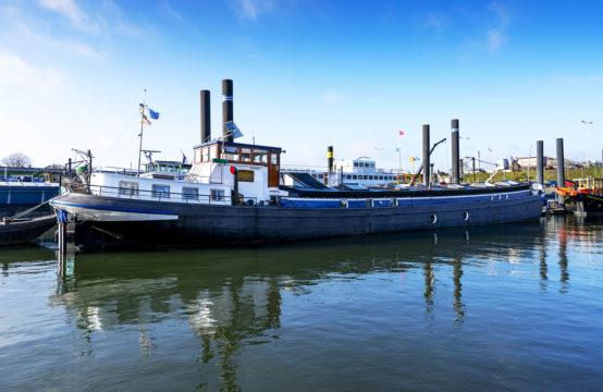 Woonschip..Waalhaven 1L Nijmegen