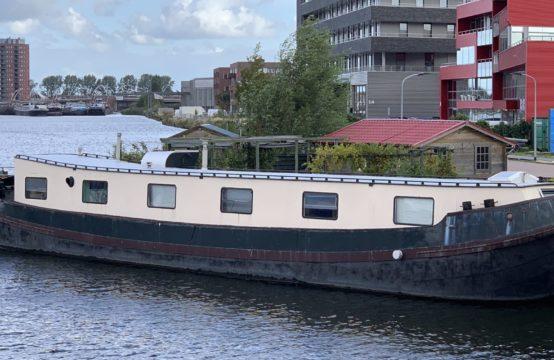 Woonschip zonder ligplaats