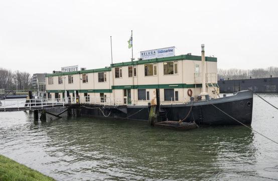 Uniek schip met 13 aparte kantoorunits